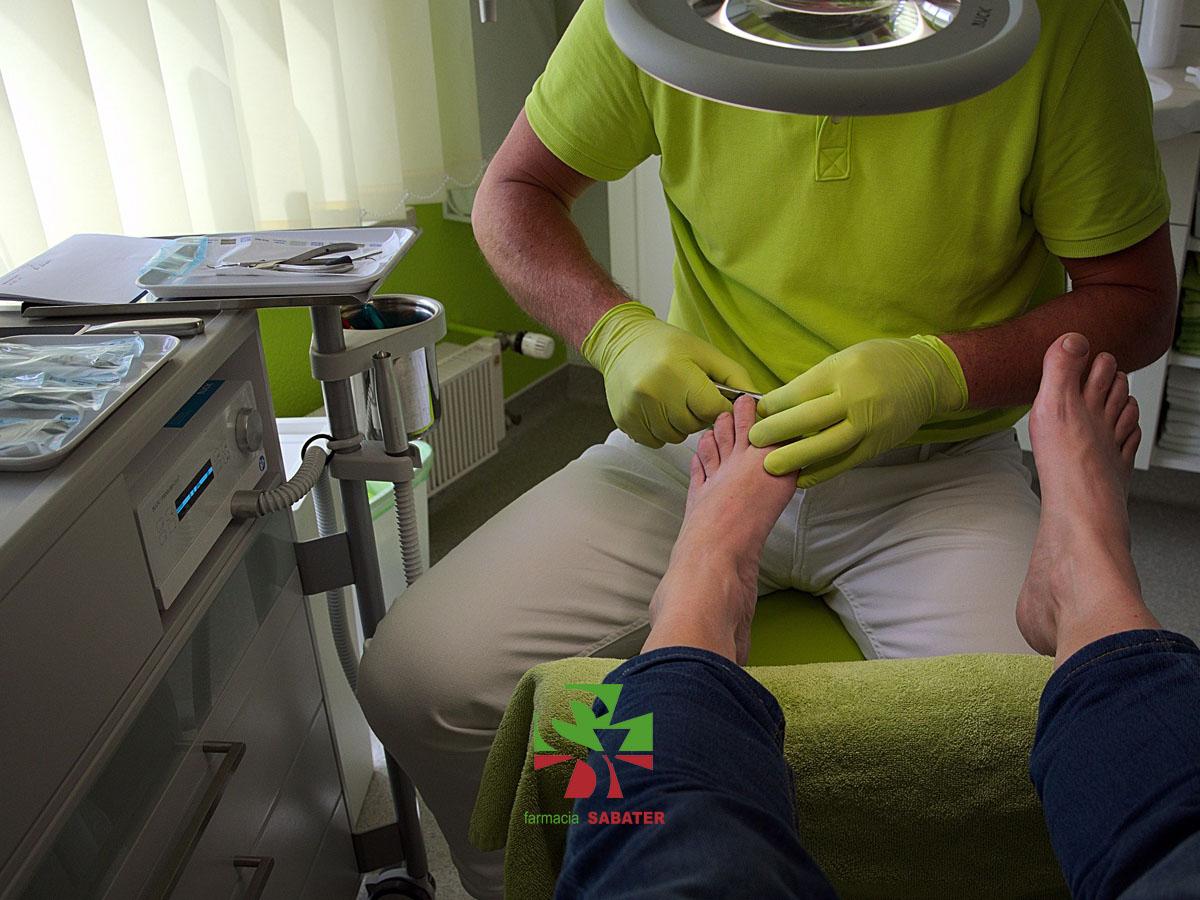 Blog - Farmacia Sabater - Las durezas en los pies - ¿Qué son y como tratarlas?